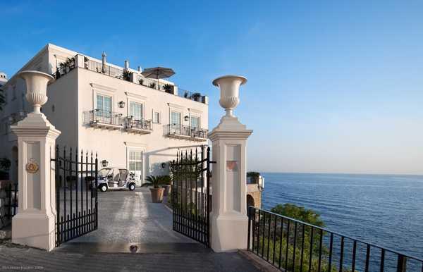 Отель с видом (Италия)