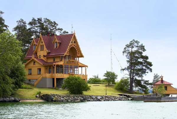 Купить дом между морем и озером