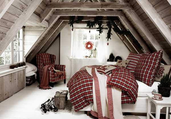 Рождественский декор в спальне, красная постель в клетку