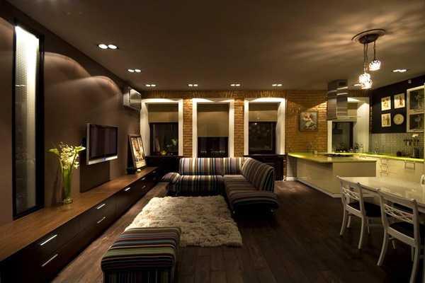 открытое пространство в гостинной и кухне