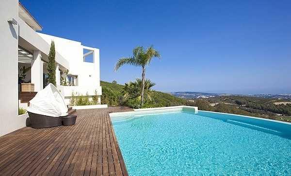 бассейн с видом