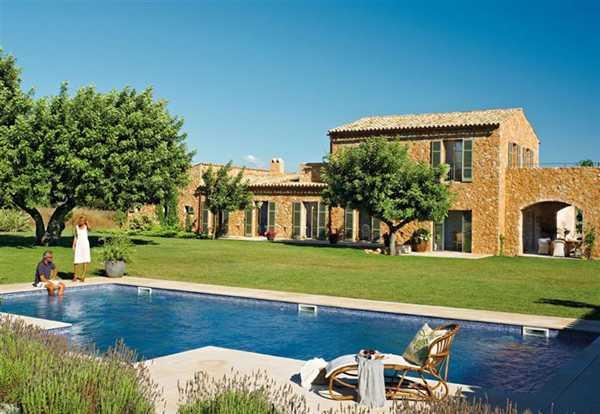 дом прованс с бассейном
