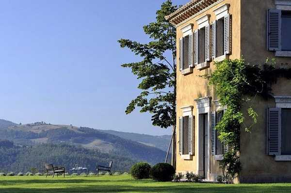 старинная вилла в Италии