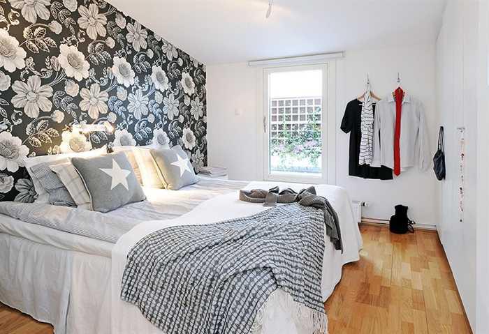 Комбинация обоев в спальне фото