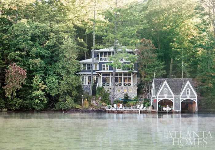 Дом у озера в Атланте