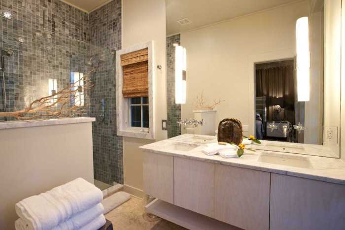 rosemary-beach-florida-master-bathroom-64425-1900