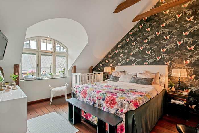 uyutnyi-loft-s-svhecii-12