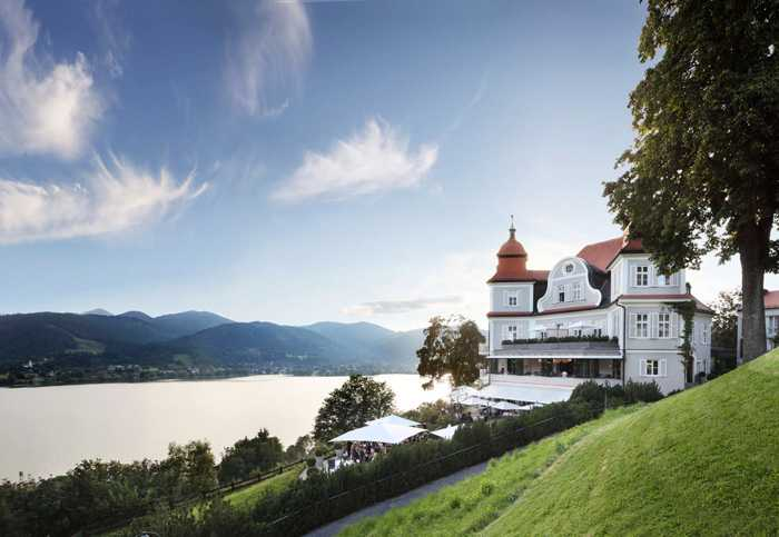 Отель Das Tagernsee с видом на озеро в Баварии