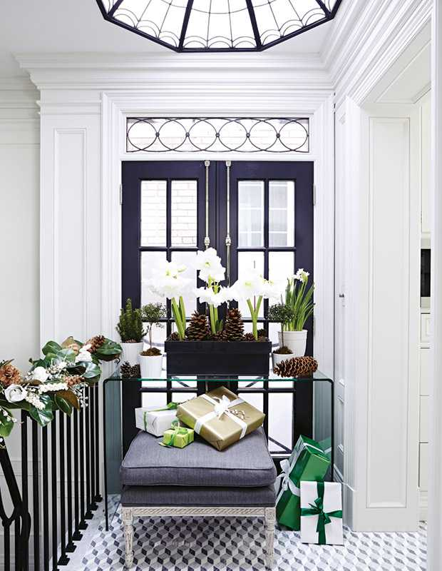Holiday-Style-TheodoropoulosRes_Hallway_HH_NO14