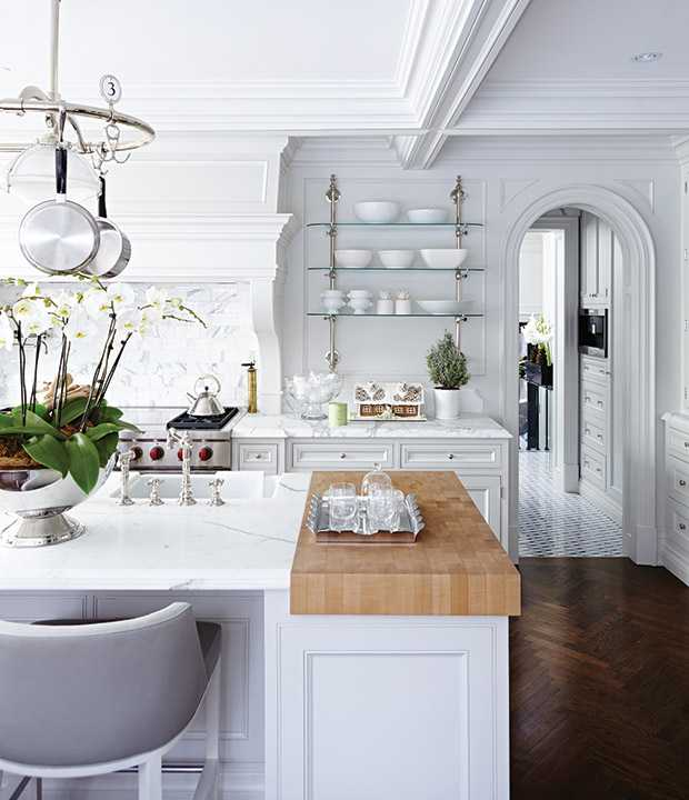Holiday-Style-TheodoropoulosRes_Kitchen_Island_HH_NO14