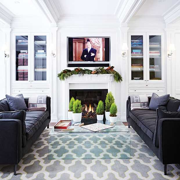 Holiday-Style-TheodoropoulosRes_Livingroom_PottedDecor_HH_NO14