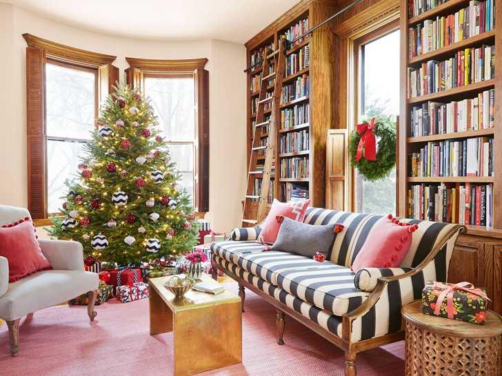 Уютный и такой домашний рождественский декор в предместье Чикаго