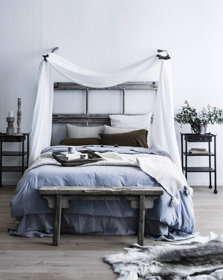 Tête de lit et banc en bois brut