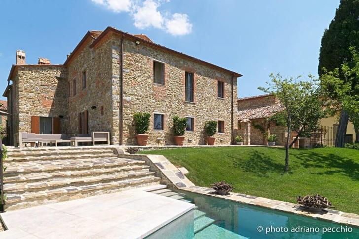 002-tuscan-villa-sante-bonitatibus-1050x701