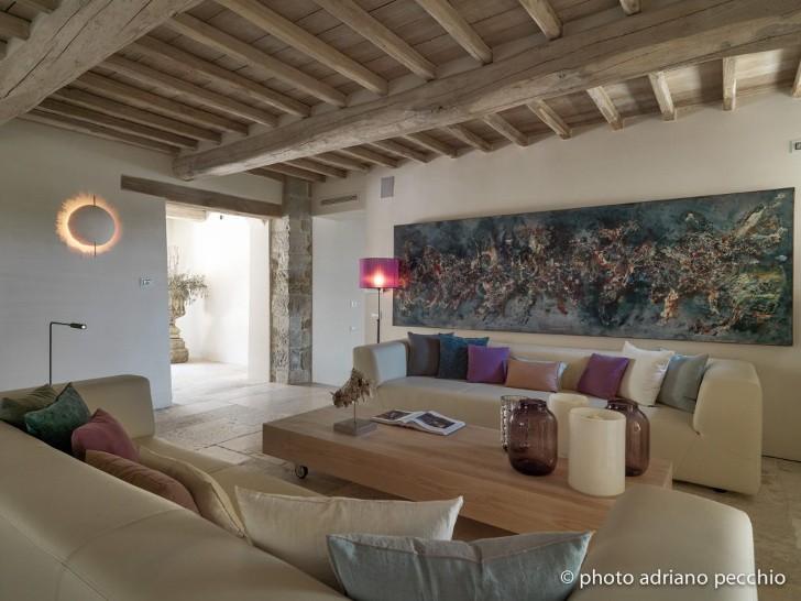 013-tuscan-villa-sante-bonitatibus-1050x788