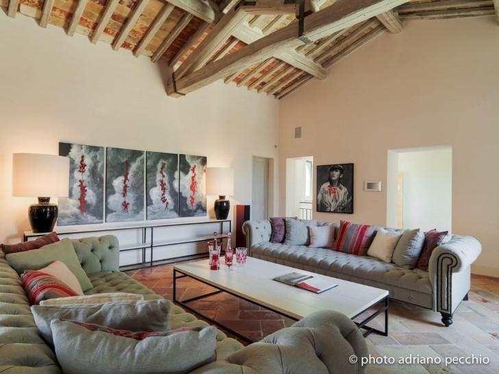 019-tuscan-villa-sante-bonitatibus-1050x788