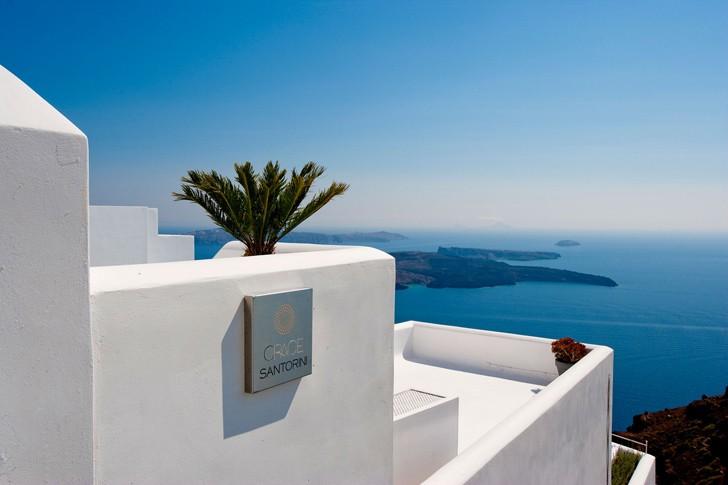 Grace-Santorini-Hotel-pufikhomes-3