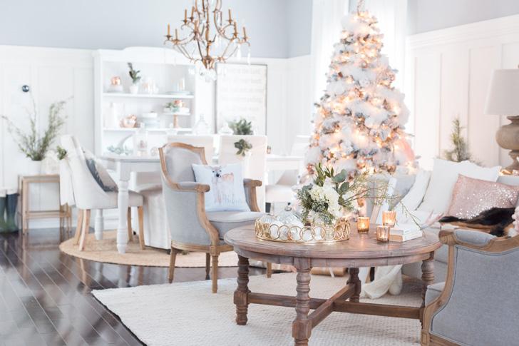 Белоснежный новогодний декор с золотыми акцентами | Пуфик - блог о дизайне интерьера