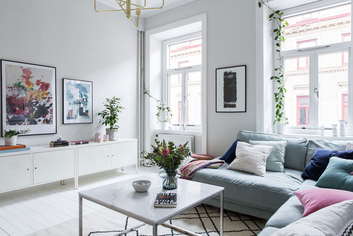 Donu0027t look for amazing designer ideas or fabulous decor in this charming Swedish  apartment of 66 sqm. Itu0027s just an ordinary home for a Stockholm family, ...