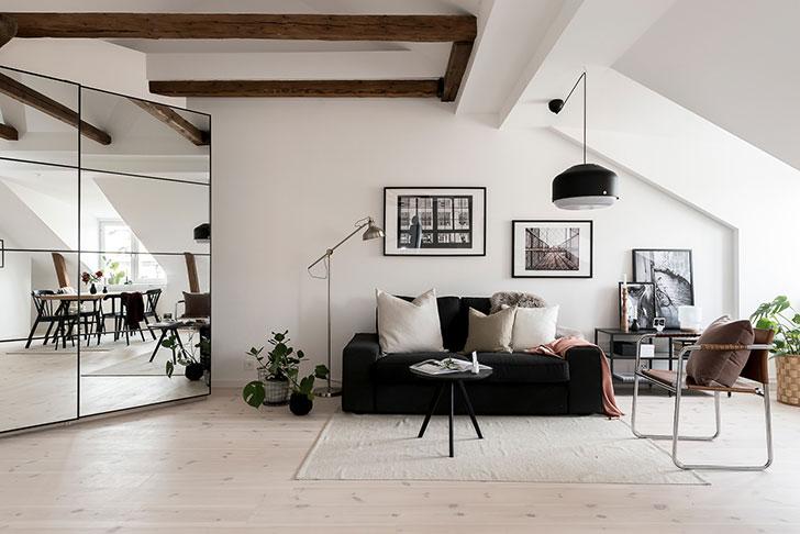 Небольшая квартира под крышей в Стокгольме (50 кв. м)