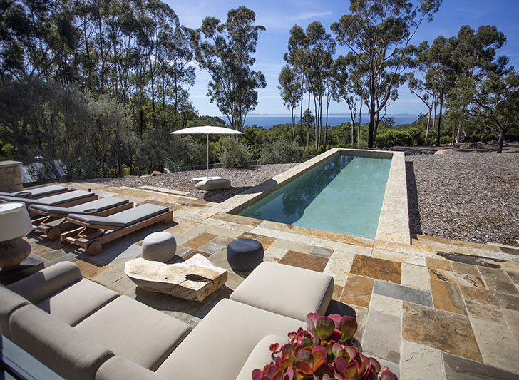 Celebrity home ellen degeneres 39 s italian inspired villa for Home designs and granite santa barbara