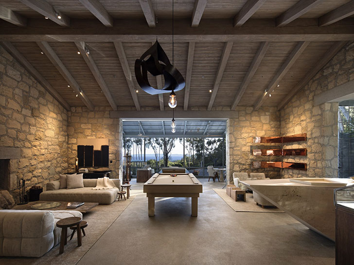Degeneres In Santa Barbara Was Inspired By Traditional Italian Stone Buildings Of Course The Design Diluted With Modern Furniture And Accessories