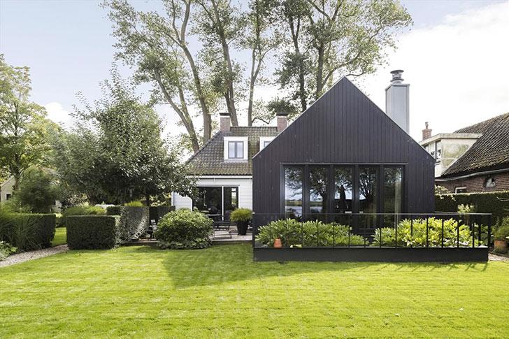 Небольшой уютный домик у озера в Нидерландах (189 кв. м)