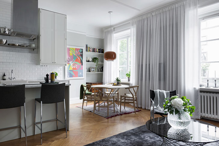 Chic Elegance Of Neutral Colors For The Living Room 10 Amazing Examples: Charming Scandinavian Apartment In Neutral Tones