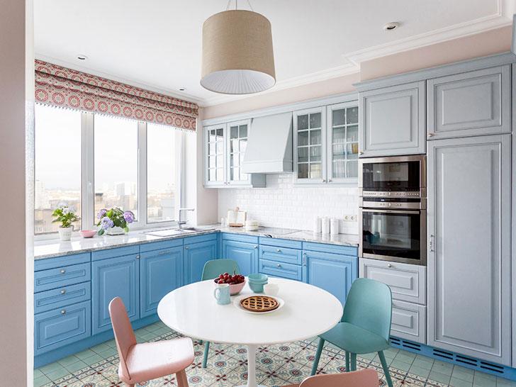Красочная квартира для молодой семьи в Москве (128 кв. м)