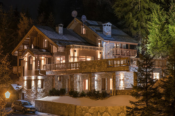 festive mood in alpine chalet pufik beautiful interiors online magazine. Black Bedroom Furniture Sets. Home Design Ideas