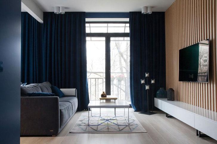 Глубокий синий: стильная небольшая квартира в Запорожье (53 кв. м)