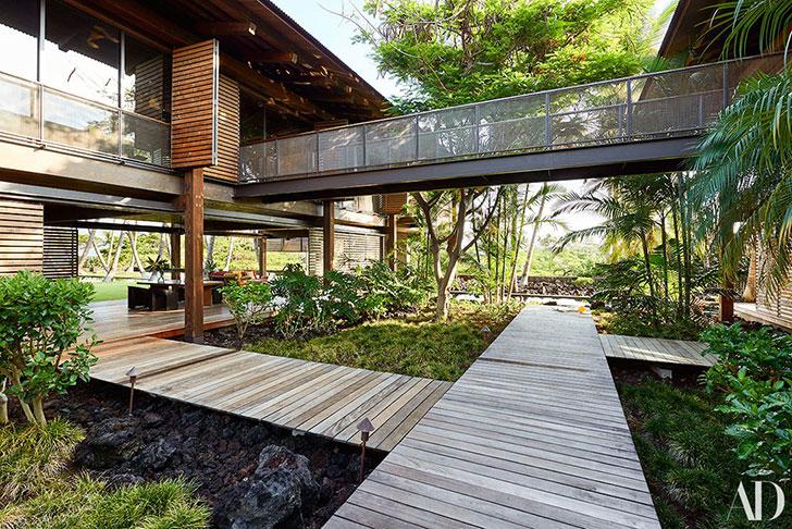 Бассейн пальмы и мосты удивительный дом на Гавайях