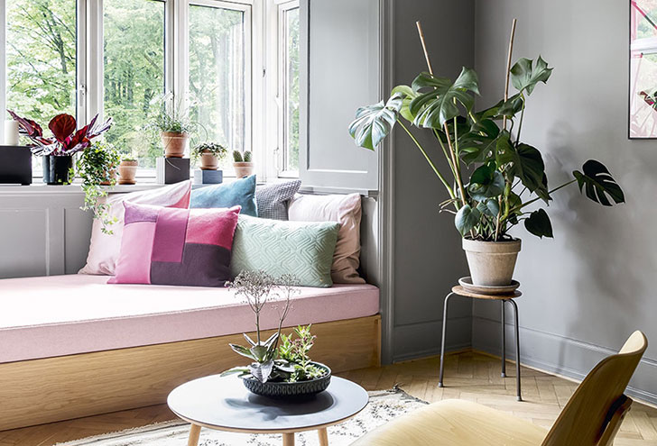 Красочный и стильный интерьер для большой творческой семьи в Дании