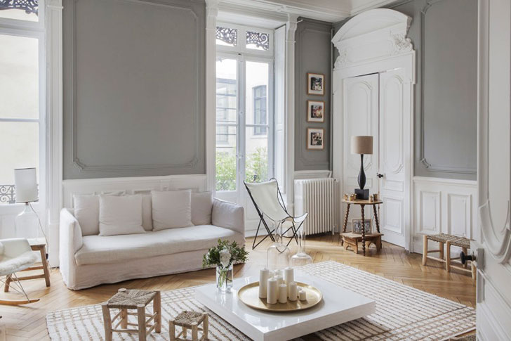 This Magnificent Apartment In Lyon Is An Excellent Example Of Just Such Housing Abundant Moldings On The Walls And Doors High Ceilings Windows To