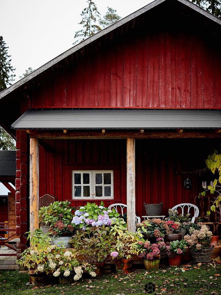 Уютный и стильный деревенский дом дизайнеров в Финляндии