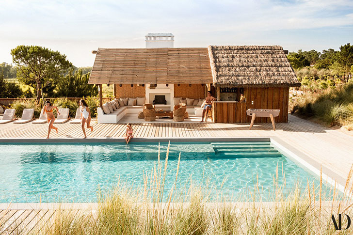 Летний домик с бассейном известного парижского антиквара Patrick Perrin в Португалии