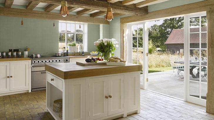 интерьер кухни в английском стиле - фото