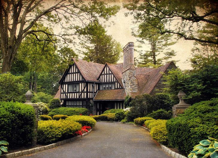 дом в стиле тюдор - фото