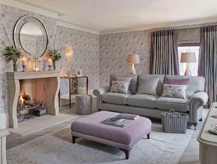 комната с камином в английском стиле