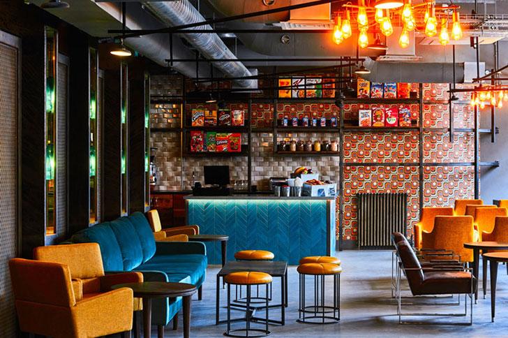 Яркий лофт-отель в здании бывшей фабрики в Лондоне