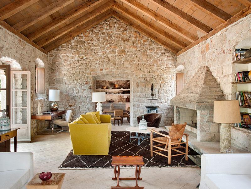 Каменный дом 15 века с видом на море в Дубровнике