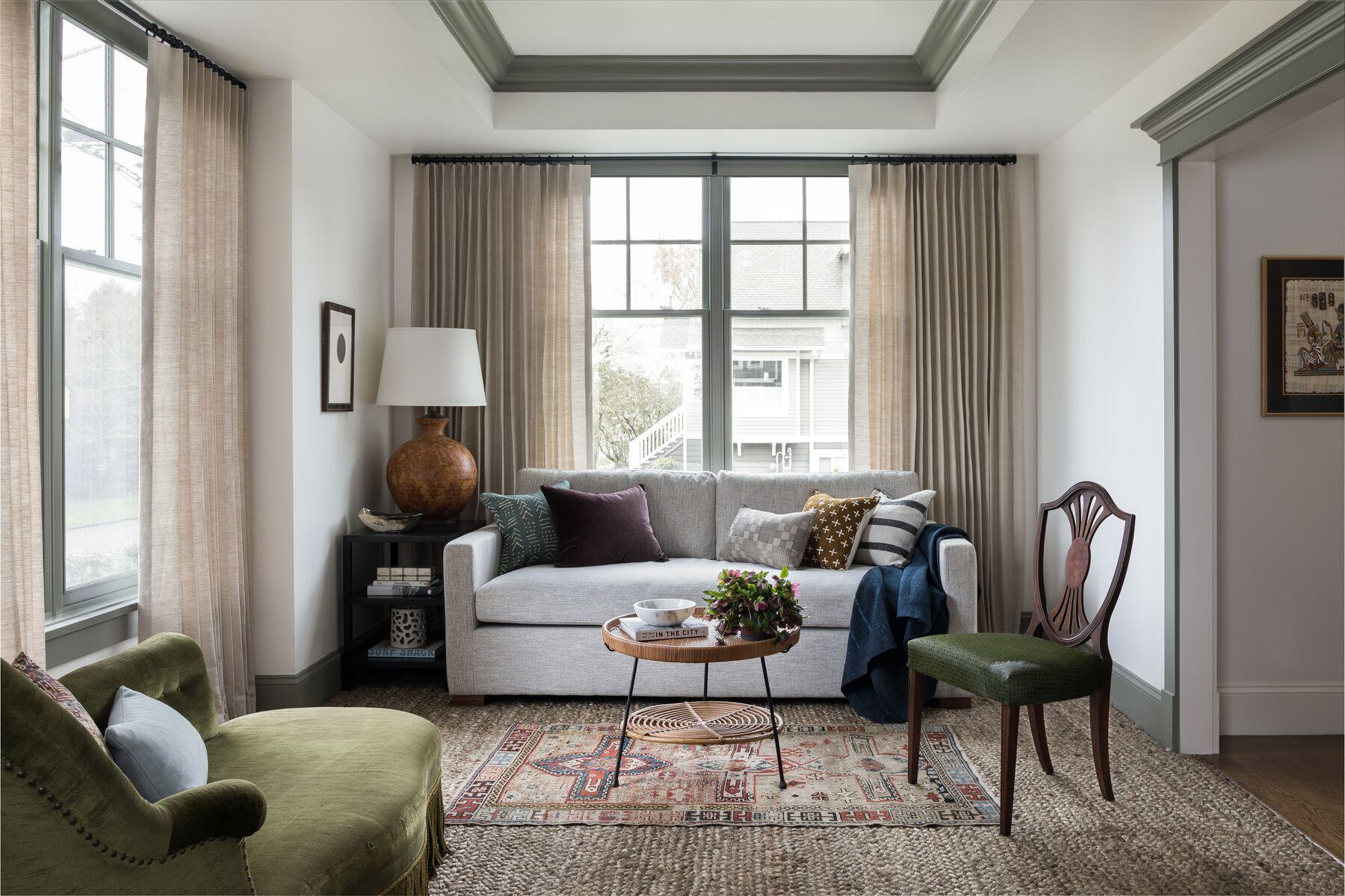 Оттенки зеленого и растительные мотивы в интерьере дома в Сиэтле
