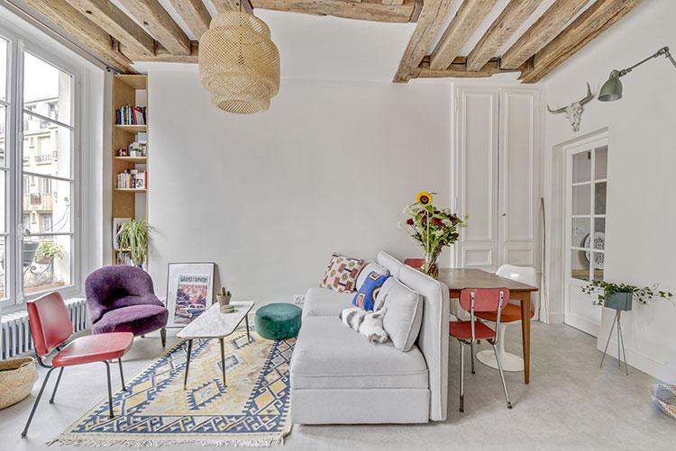Небольшая квартира с балками в Париже (45 кв. м)