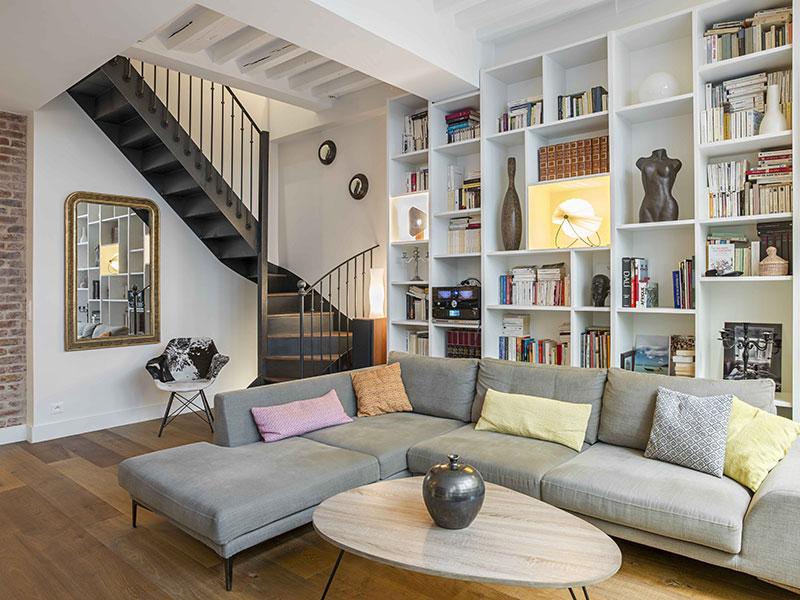 Уютные апартаменты в два уровня в Париже