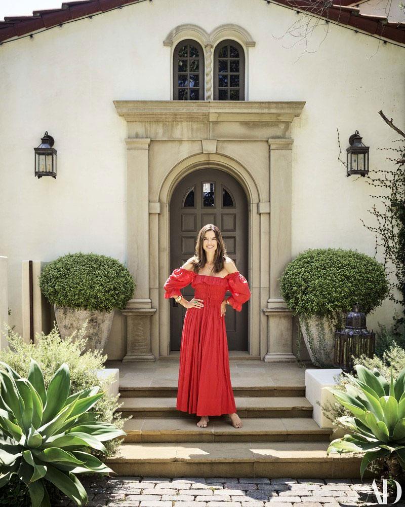 Дом супермодели Алессандры Амбросио в Лос-Анджелесе