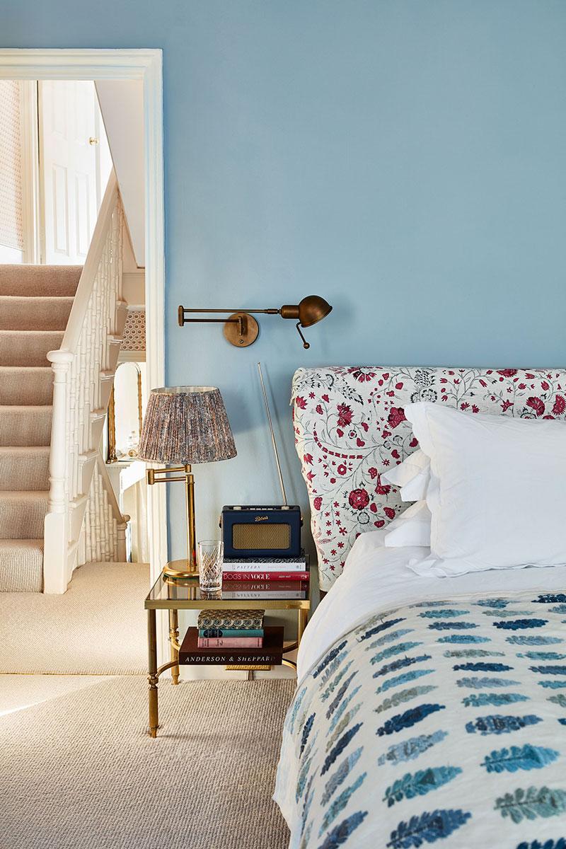 Красочный интерьер чисто английского таунхауса в Лондоне