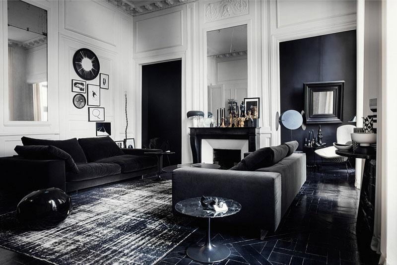 Драматичный черно-белый интерьер квартиры в Париже