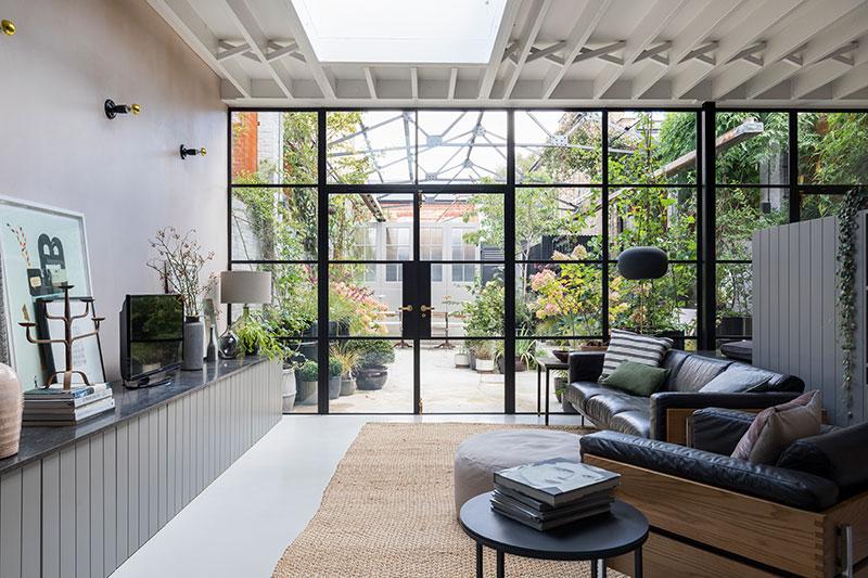 Дом с оранжереей в Лондоне