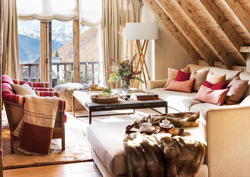 Теплый и уютный домик для двоих в горах
