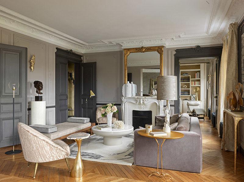 Лепнина и золото: изысканная квартира художницы в Париже